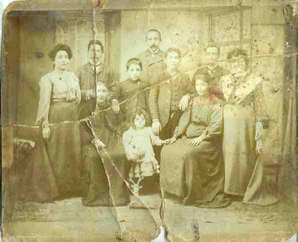 La famille Attarian à Ankara, 1908 © Coll. Hourig Attarian