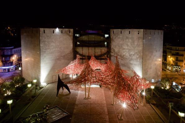 Hommage à Alexander Calder, 2013 - Installation en bois – Parvis du MAMAC de Nice - © Arne Quinze Studio