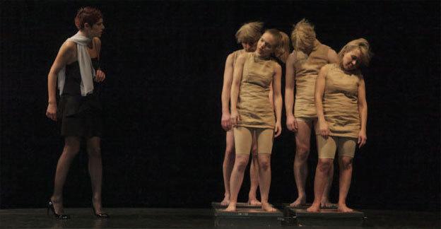 Festival Avignon Off . La Dispute, de Marivaux, par la Compagnie de l'Arcade, Théâtre des Lucioles, Avignon, 6 au 28 juillet 2013