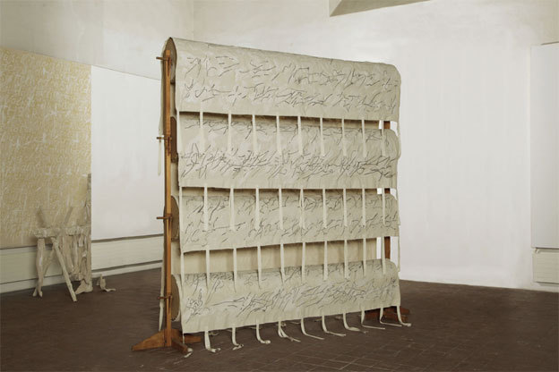 Günther Uecker Trommeln, 1974-2008 Toile, bois et latex 300 x 300 x 60 cm Courtesy of the artist © ADAGP, Paris 2013