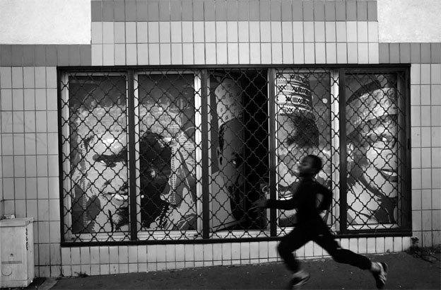 Paris. 2013 © Abbas - Magnum Photos