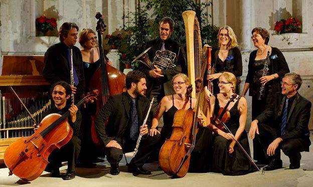 « Musique en famille » avec la famille Clément : François (orgue), Odile (hautbois et cor anglais), Antoine (cor d'harmonie), Pascale (violoncelle baroque, viole de gambe et flûte à bec), Marie (contrebasse), Agnès (harpe et basson), Anne (violon), Jérôme (flûte traversière), Nicolas (flûte traversière et traverso), Florian (violoncelle) et Hélène (alto)