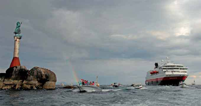 """Exposition photo """"Regards Sur"""", Hurtigruten vu par ses passagers… du 30 janvier au 1er février 2015"""