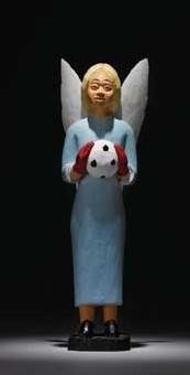 Avril 09 >Genève, Musée d'Ethnographie, Hors-jeu, football et société. Championnat d'Europe de foot-ball oblige, voilà une expo qui regarde en détail le monde du ballon rond. Jusqu'au 26 avril 2009