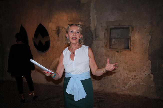 Sylvaine Boige-Faure, présidente des Amis du Prieuré de Manthes, inlassable défenseur des créateurs © Pierre Aimar