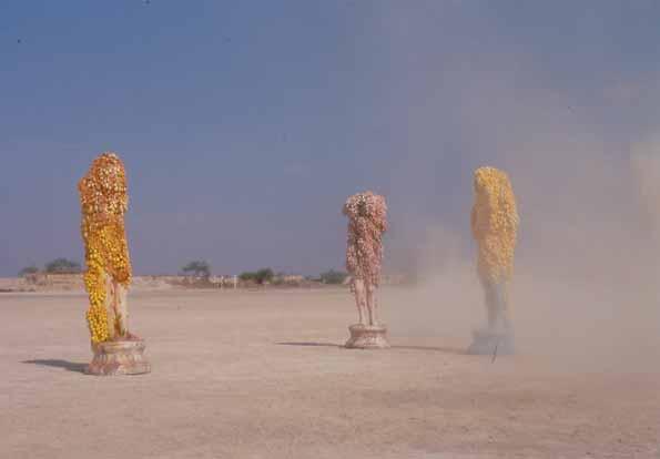 Johan Creten - Why does strange fruit always look so swee, 1998/2015