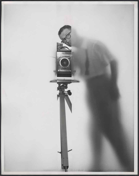 Erwin Blumenfeld autoportrait NY 1950 ˝ The Estate of Erwin Blumenfeld