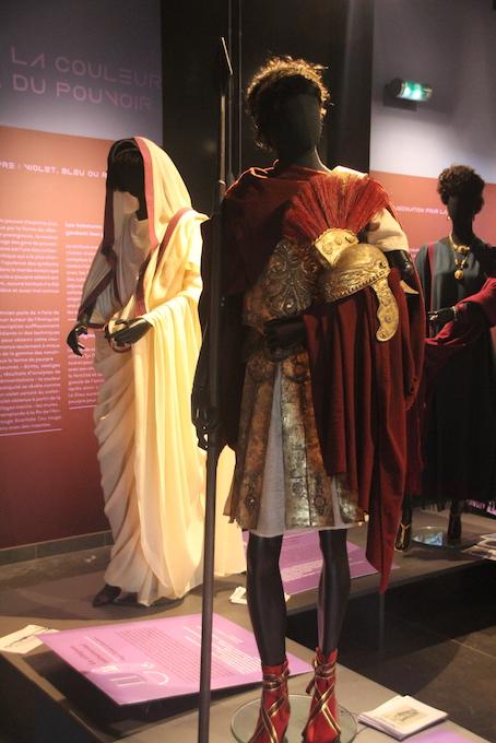 La pourpre impériale est bien loin du rouge écarlate des prélats ou de celui de la légion d'honneur  © P.A.