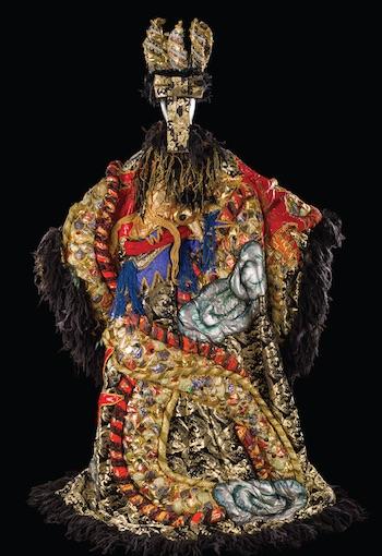 Costume de Tomio Mohri pour le rôle du Roi Dodon dans Le Coq d'or, opéra de Rimski- Korsakov. Théâtre Musical de Paris, Châtelet, 1984. © CNCS / Florent Giffard