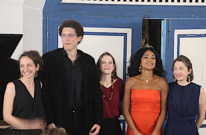 Le quatuor La Raison Folle entoure Magalie Léger © PA
