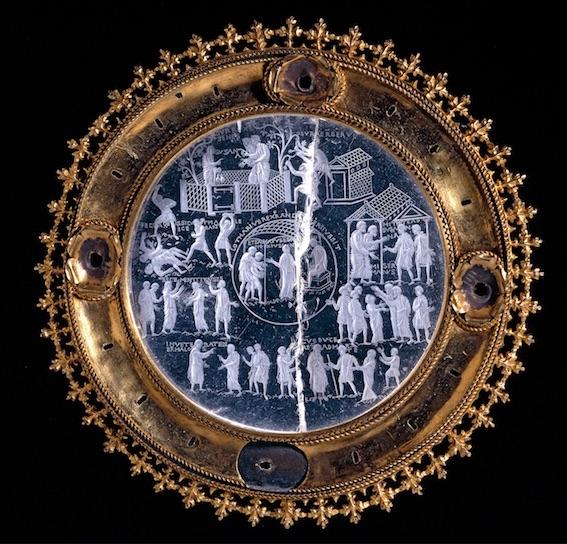 Cristal de Lothaire, Quartz, or, cuivre, Vers 855–869 , Probablement réalisé à Aix-la-Chapelle, Allemagne, 1855