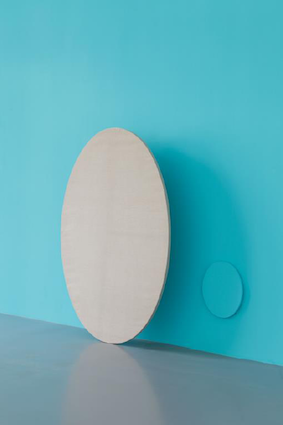 Claude Rutault,dé-finition/méthode, autoportrait en pied 2011, peinture sur toile 168 x 110 cm © Antoine Cadot courtesy Perrotin