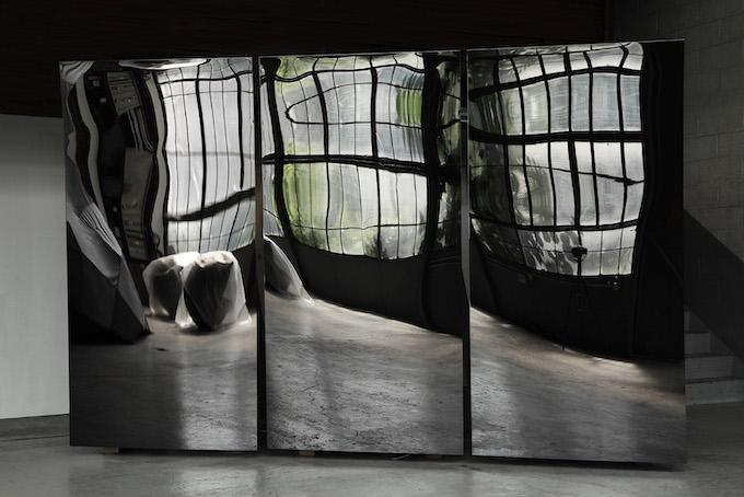 Pierre-Laurent Cassière, Distorsions. sculpture cinétique, 2013. Vue d'atelier, Montreui © DR