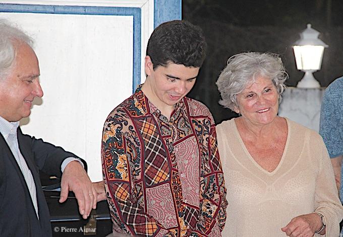 Yves Henry, Noé Huchard et Bernadette Beuzelin, présidente des Nuits Caraïbes