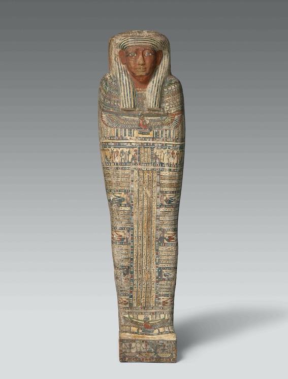 Cercueil intérieur de Ptahirdis, momie et bandelettes © 2019 Musée Granet / Hervé Lewandowski