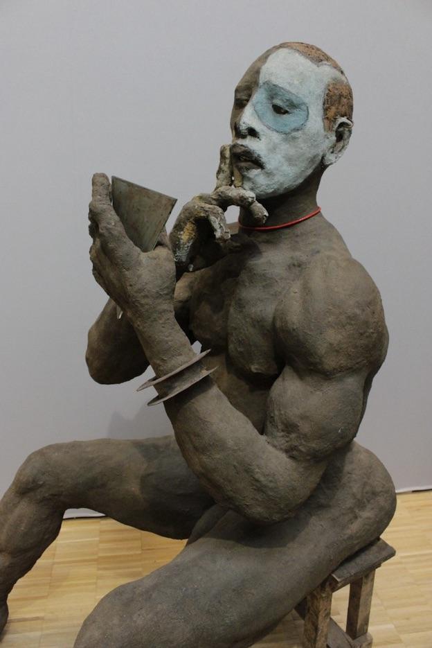 Ousmane Sow, Nouba qui se maquille, 1987 @  Béatrice Soulé/Roger Viollet/ADAGP