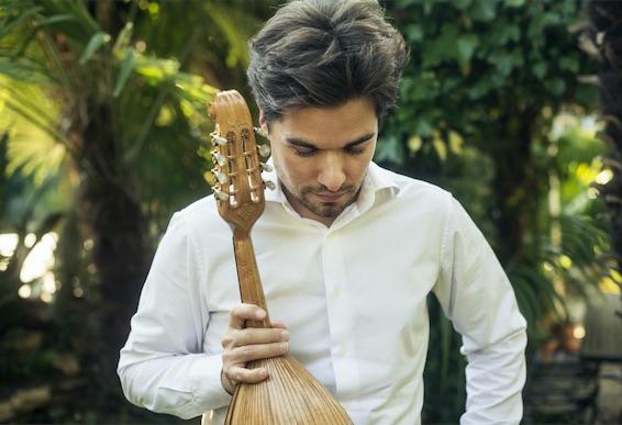 Julien Martineau, mandoline, concert au Mas Riquer, Catllar (66) le 15 août 2020 à 18h