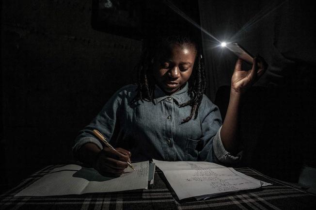 Goma, RDC, 27-28 avril 2020. Pas d'école et pas d'électricité © Arlette Bashizi pour la Fondation Carmignac