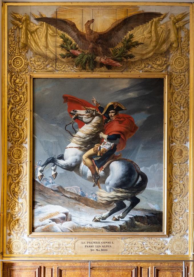 Bonaparte, Premier Consul, franchissant le Grand-Saint-Bernard, le 20 mai 1800, Jacques-Louis David, dans la Salle de Marengo © château de Versailles, T. Garnier