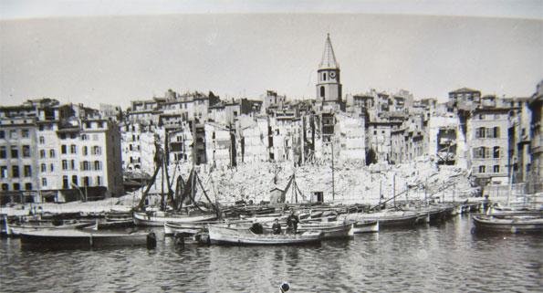 Le Vieux-Port pendant les destructions de 1943