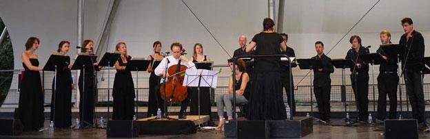 Henri Demarquette et l'ensemble Sequenza 9.3 au festival Classique au Vert, 2013 © Agence Sequenza