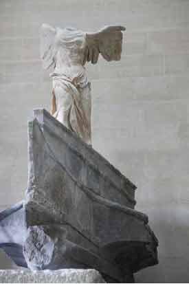 Victoire de Samothrace restaurée © 2014 Musée du Louvre / Antoine Mongodin