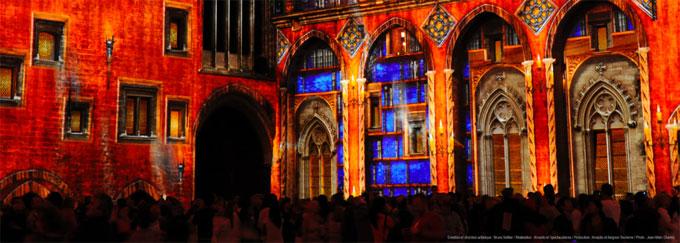 Les Luminessences d'Avignon du 12 août au 3 octobre 2015, cour d'honneur du Palais des Papes