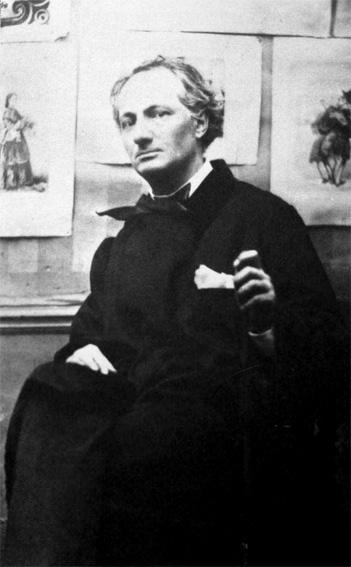 Étienne Carjat (1828-1906), Baudelaire aux estampes, 1863, photographie, portrait-carte, Paris, Bibliothèque nationale de France © BnF