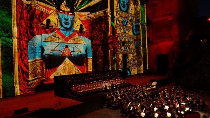Requiem de Verdi – Chorégies d'Orange 2016 : Cosmos, vent du nord et palais antiques