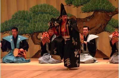 Paris, Espace Cardin : Kyogen par la troupe de théâtre de la famille Shigeyama. 11 septembre à 20h