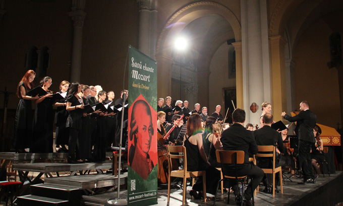 Franck Emmanuel Comte dirige le Concert de l'Hostel Dieu