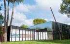 Ouverture estivale : installation inédite de Lawrence Weiner à la Venet Foundation, Le Muy (83)