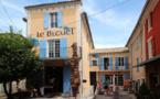 """Alphonse Allais aurait pu écrire : """"Construisons les librairies à la campagne"""". A Banon, Alpes de Haute-Provence, c'est fait"""