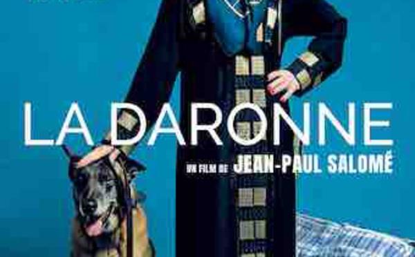 Le 17e Prix Jacques Deray du film policier est attribué à La Daronne de Jean-Paul Salomé